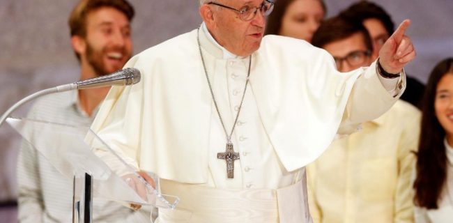 پاپ شیطان را مسئول مشکلات کلیسا خواند