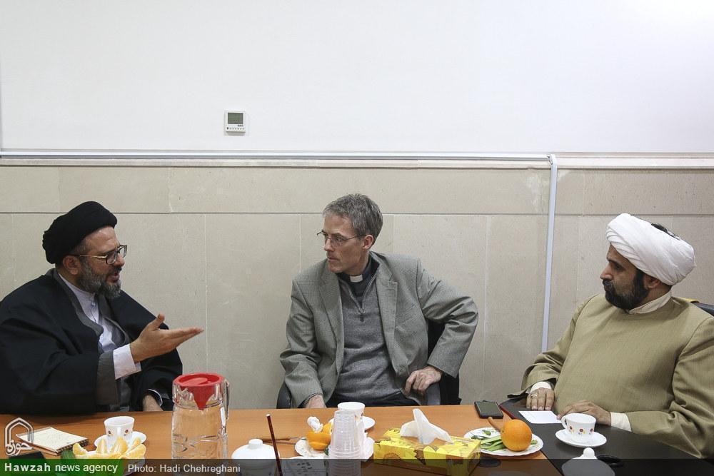 عالمان مسلمان و مسیحی برای حل مشکلات بشریت اقدام مشترک کنند