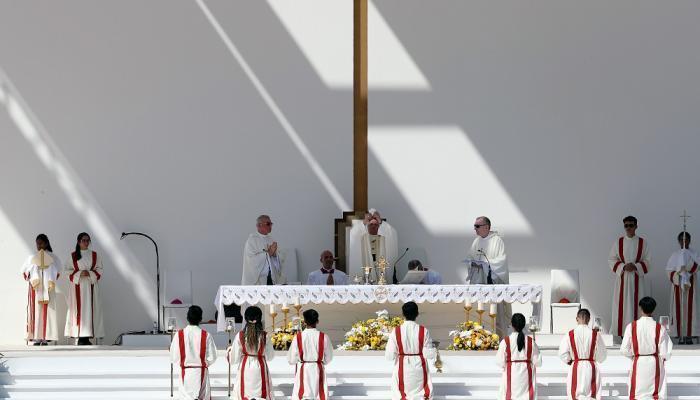 آیین نیایش مسیحیان با حضور پاپ در امارات + عکس
