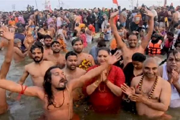 100 میلیون هندو در مراسم مذهبی کومب ملا