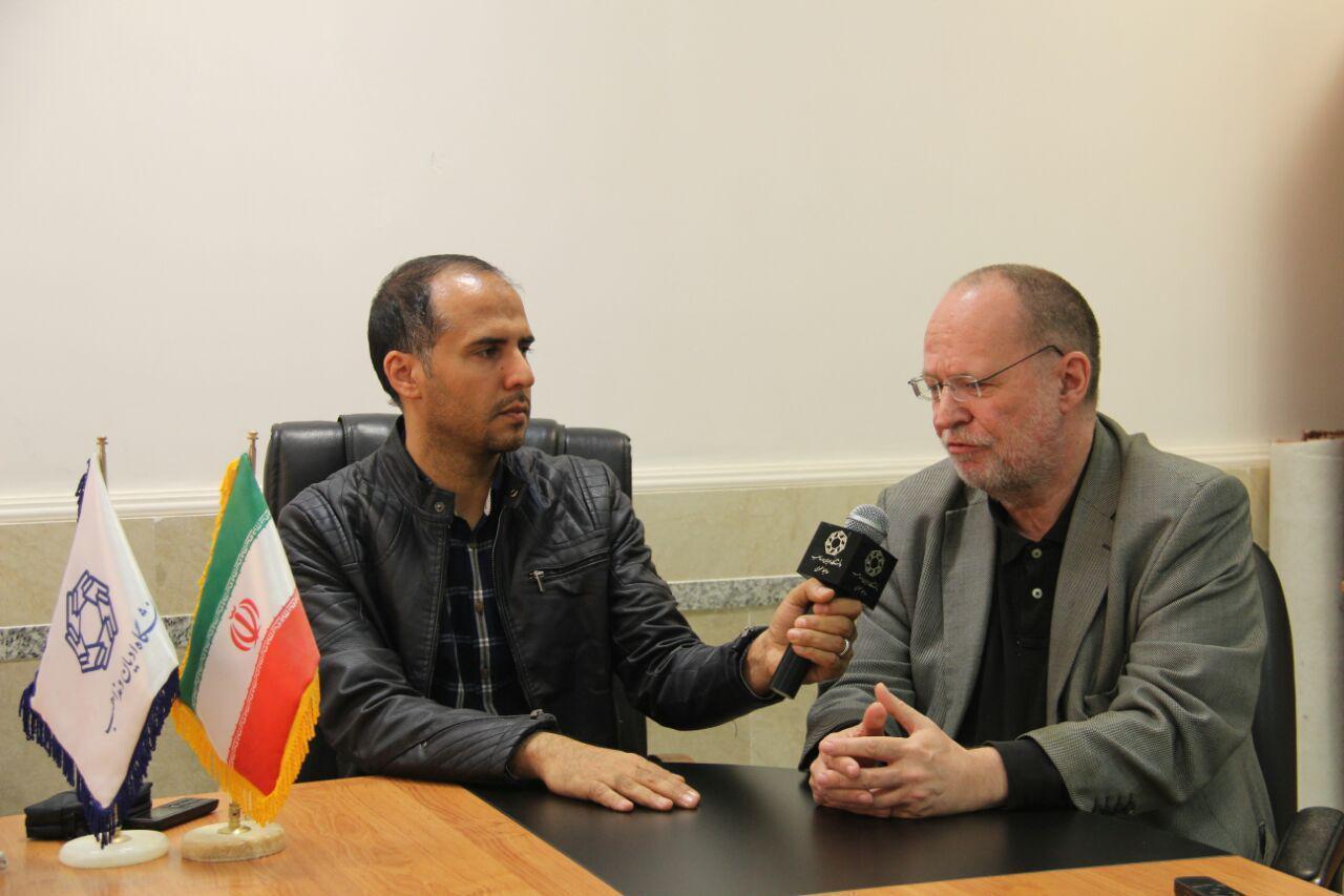 اعتقادی به آنچه رسانههای غربی درباره ایران میگویند ندارم