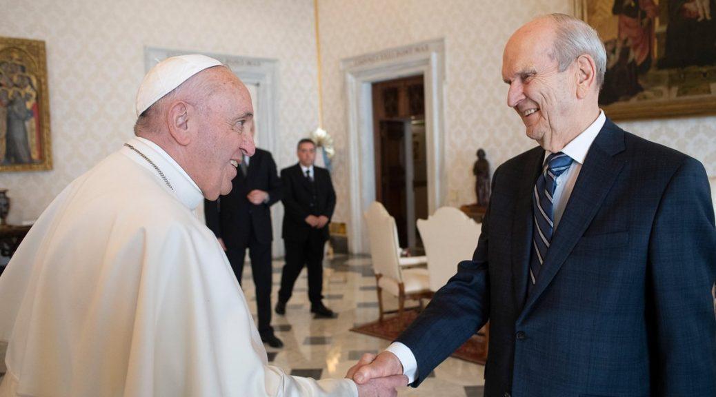 نخستین دیدار رهبر کلیسای مورمون با پاپ فرانسیس در واتیکان