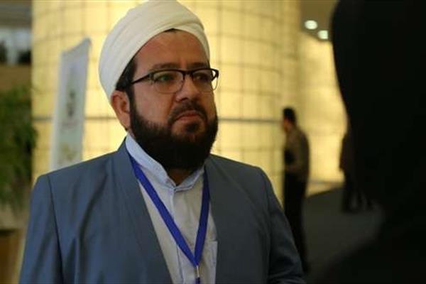 سخنان عالم اهل سنت علیه شبکههای ماهوارهای وهابی