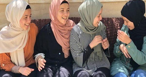 موفقیت چهارقلوهای دختر فلسطینی در حفظ کل قرآن