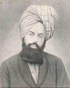آیا فرقه احمدیه که به پیامبری میرزا غلام احمد قادیانی معتقد هستند، کافر و خون آنها حلال است؟