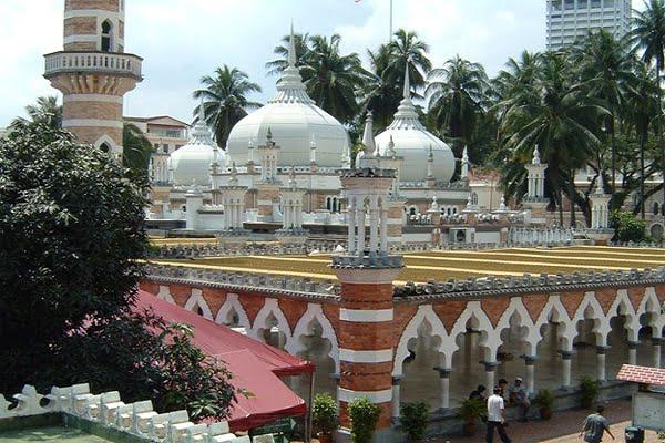 گروه موسیقی مالزیایی «فارابی»؛ مروج اسلام به زبان هنر