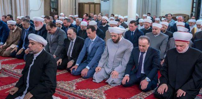 بشار اسد در مراسم نماز عید قربان در مسجد دمشق