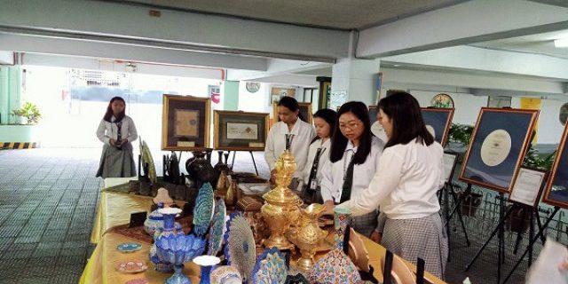 نمایش آیات قرآن در دبیرستان مسیحیان فیلیپین + عکس