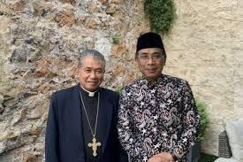 ملاقات پاپ فرانسیس با پیشوای مسلمانان پرجمعیت ترین کشور مسلمان
