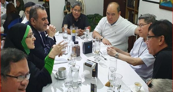 ضیافت شام اسلامی ــ مسیحی در فیلیپین