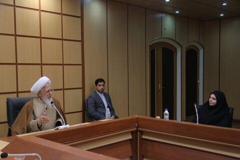 پاسخ آیت الله العظمی جوادی آملی به چرایی اجباری بودن رعایت برخی شئونات اسلامی در دانشگاه ها
