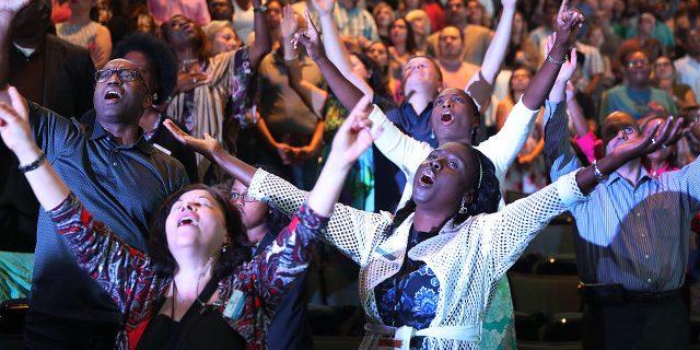 رابطه دین با خوشبختی، مشارکت مدنی و سلامت در سراسر جهان