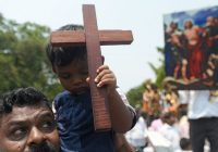 بررسی هندوئیسم و مسیحیت در هند و بریتانیای کبیر