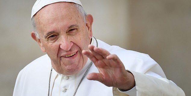 پاپ با برنامه ارتقای گفتوگوی ادیان به اندونزی میرود