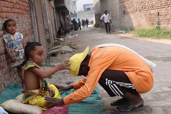 شباهت کودک 6 ساله به خدایان هندو