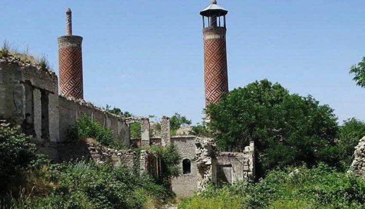 تبدیل مسجد تاریخی در قره باغ بالا به محل نگهداری حیوانات توسط ارامنه